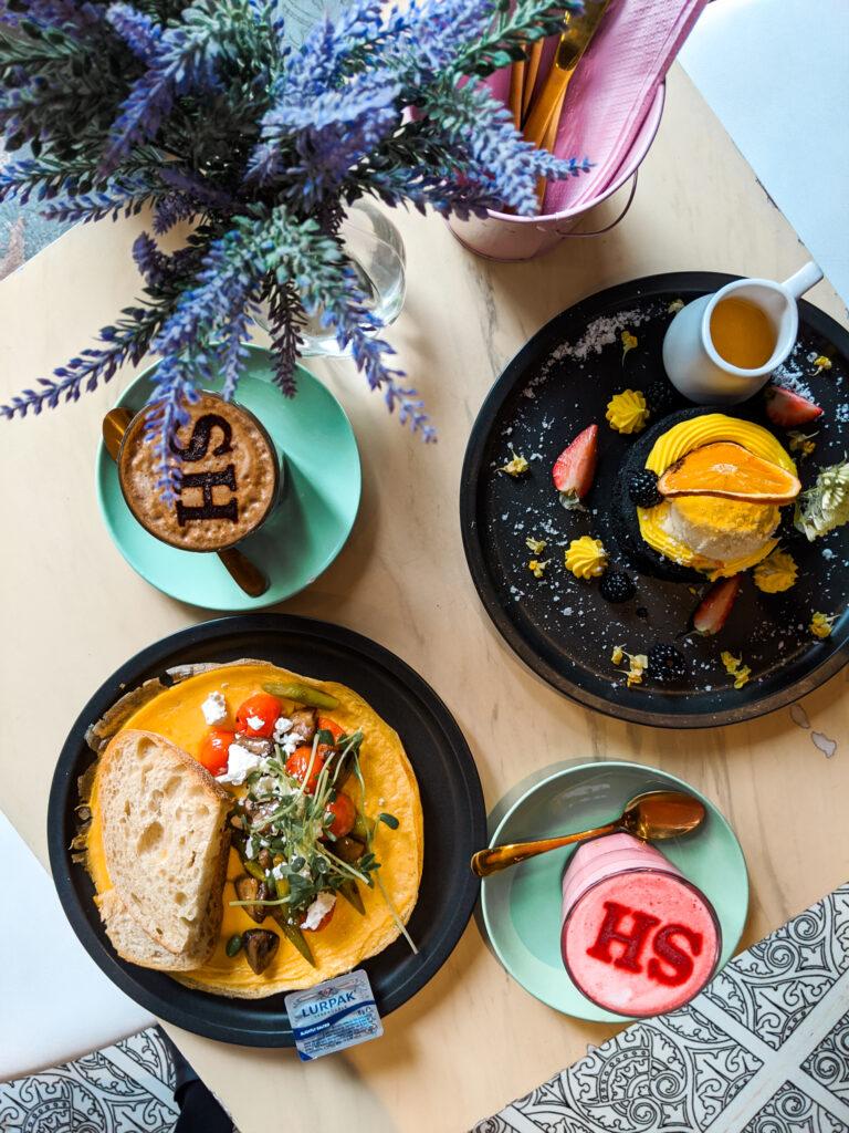breakfast in Social Hideout Cafe