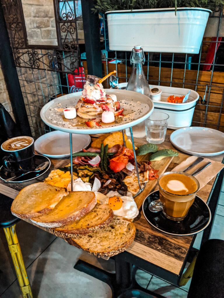 breakfast place in Sydney